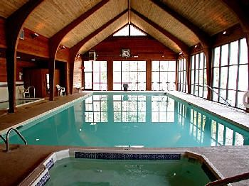 Resort Indoor Pool and Spa plus Hot tub and Sauna! PLus 2 Outdoor Pools!