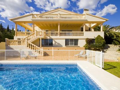 "Photo for Villa a short walk away (191 m) from the ""Cala Gasparet"" in Calp with Pool, Parking, Terrace, Garden (20621)"