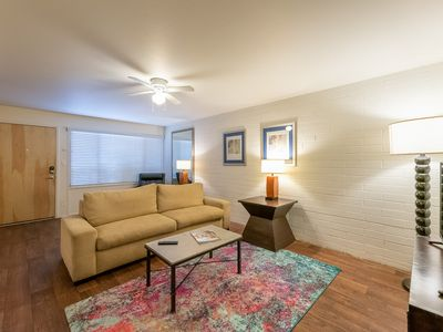 Photo for Scott I Rustic Old Town 2BR w/ Pool & Gym