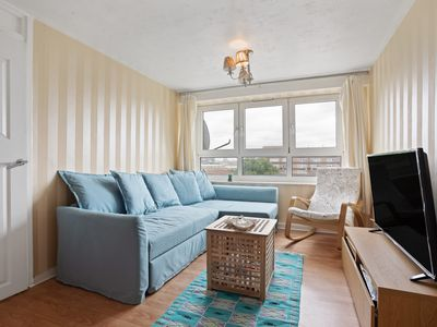 Photo for 6th Floor 1Bed Apt, sleeps 4 nr Mile End Tube