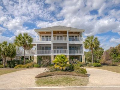 Photo for The Red Oyster: 5 BR / 6.5 BA house in Pawleys Island, Sleeps 12