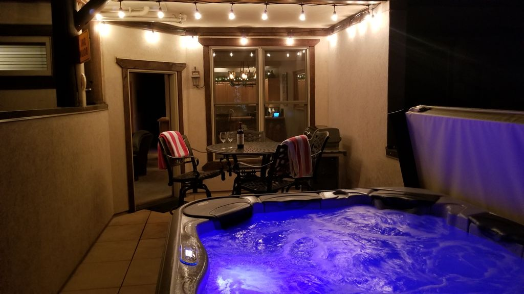 Walk In Hot Tub.New Remodel Private 5p Hot Tub Walk To Lifts Town Private Garage Hi S Wifi Breckenridge