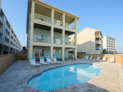 Large 3 story home with Private Pool!!