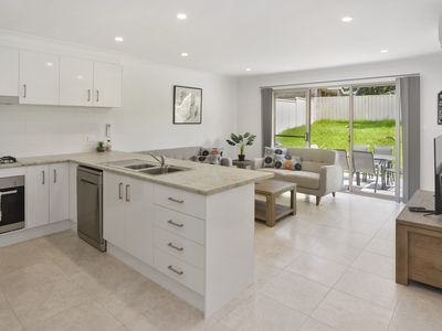 Photo for 3BR Villa Vacation Rental in Sanctuary Point, NSW
