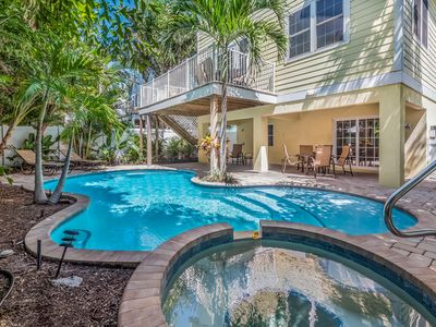 Sand Castle: Large Gorgeous Home, Heated Pool, Hot Tub, 2 Short Blocks to Beach!