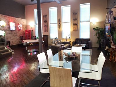 Private Penthouse, 2nd Ave DOWNTOWN, Stadium & River view, Steps From Everything