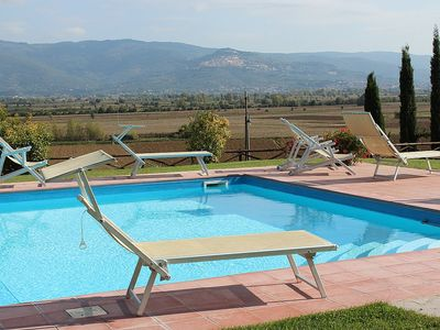 Photo for One bedroom Villa, sleeps 4 with Pool, Air Con, FREE WiFi and Walk to Shops