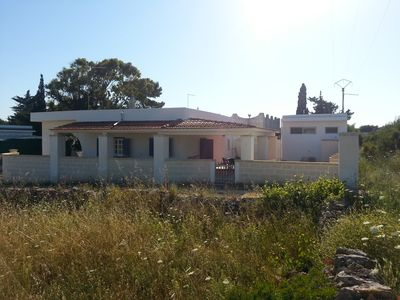 Photo for Independent villa with two large verandas, 8 + 1 beds, 300 m from the sea.