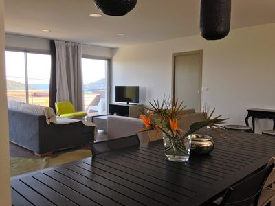 Photo for Apartment 4 people conditioned view of the bay of Santa giulia