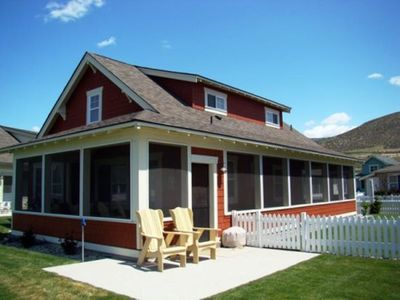 Photo for 4BR Cottage Vacation Rental in Oroville, Washington