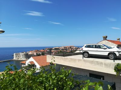 Photo for Apartment up to 4 persons, 5 minutes from the beach and Old Town, with parking