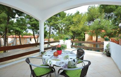 Photo for One bedroom apartment with terrace Jelsa (Hvar)