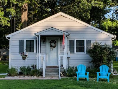 Photo for Relax at the Mystic Seahorse Cottage on Gwynn's Island!