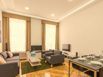 Photo for Grand Nador apartment in V Belváros with WiFi, air conditioning & lift.