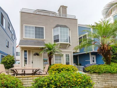 3BR/3BA w/2 Car Tandem Parking - North Mission Beach, Bay Side. Fully equipped!