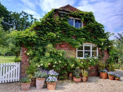 Photo for Vacation home Coveneys in Tenterden - 2 persons, 1 bedrooms