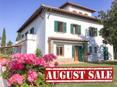 Photo for Special Offer August -Villa, 5 ensuite BR, pool, WIFI, Chianti, Florenc
