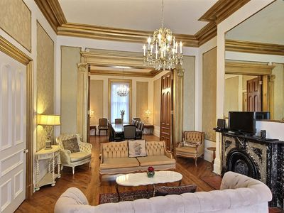 Perfect location! Perfect Stay! On Grand Allée, Next to Plains of Abraham