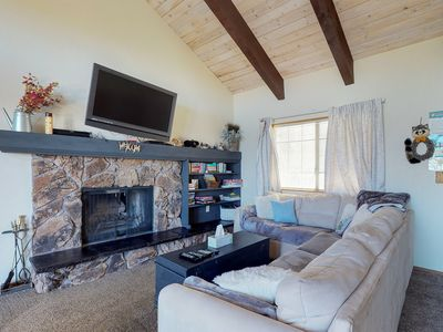 Photo for NEW LISTING! Comfortable cabin with free WiFi, close to zoo and ski resorts!