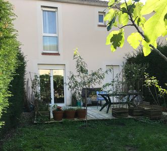 Photo for Terraced house with terrace, garden, parking, quiet and close to the city center