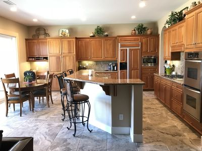 Huge kitchen with double oven