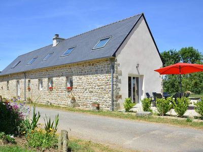 Photo for Large cottage 10 people near downtown Quimper