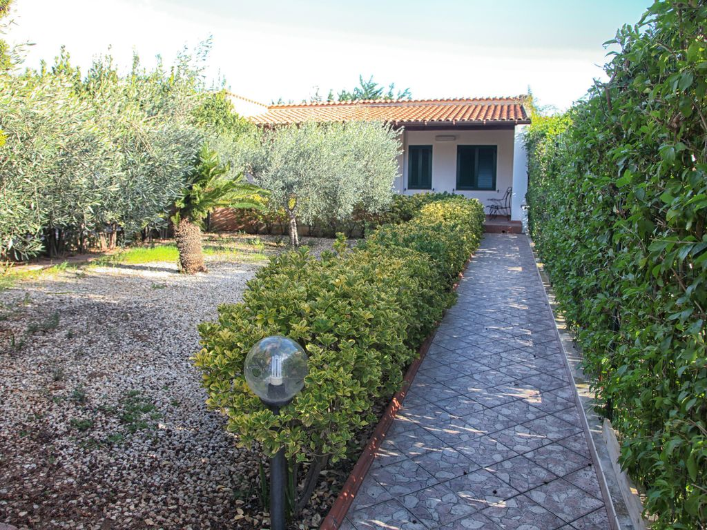 Wonderful villa near the sea!Garden WiFi, A / C, Eraclea Minoa ...