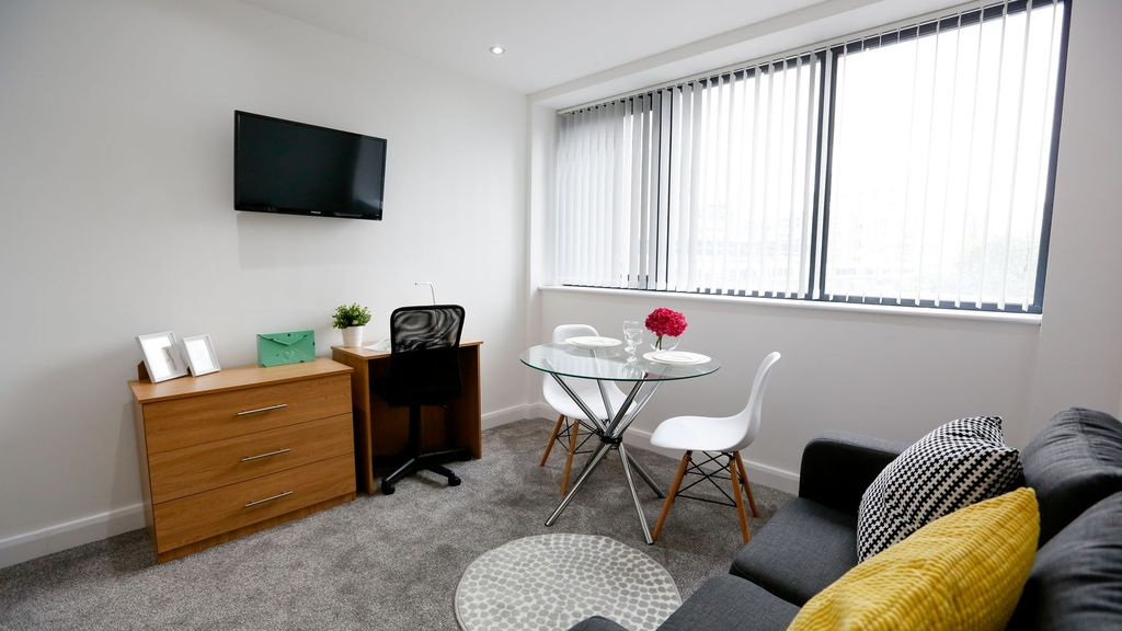 Amazing Brand New Studio in the Heart of Manchester - Studio Apartment, Sleeps 2