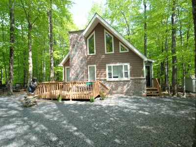 Rest and Relax in The Pocono Mountains! Hot Tub Included! - Amenity Filled!