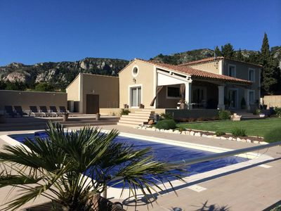 Photo for Character villa with pool, in the heart of Luberon,