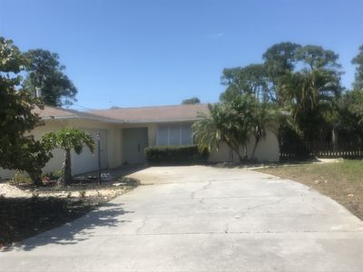 Photo for Minutes to the beach, big, fenced in back yard. Ferry pass is included as well.
