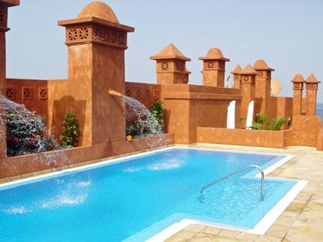 Luxury 1 bed apartment, Rooftop Pool, Free Wifi