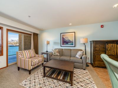 Photo for Grandview Lake View 525! Luxury Waterfront condo, sleeps up to 6!