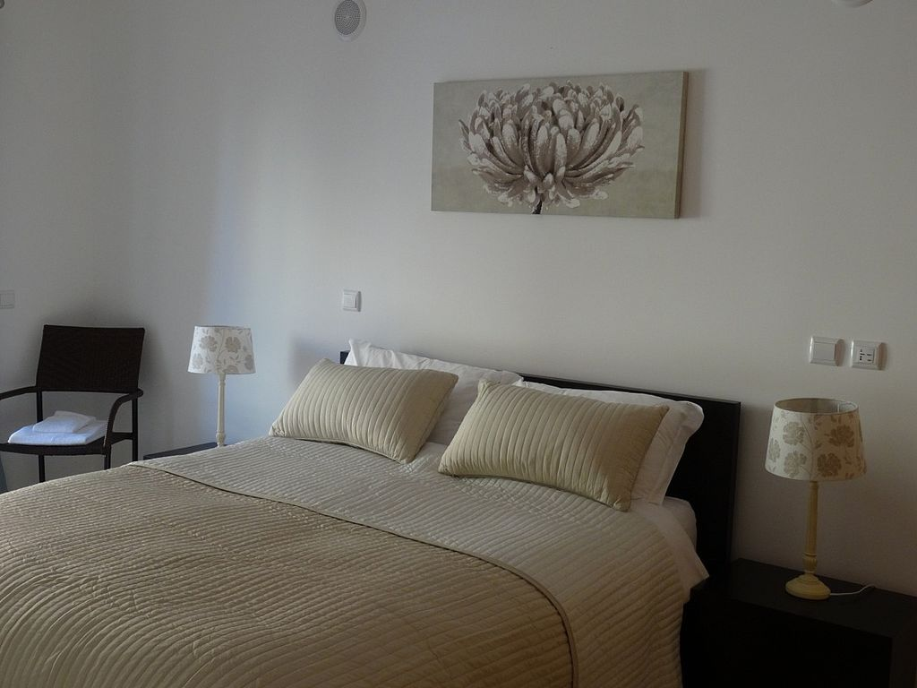 P Luxurious Bed Apartment Full Wifi And TV Quinta - Lago bed