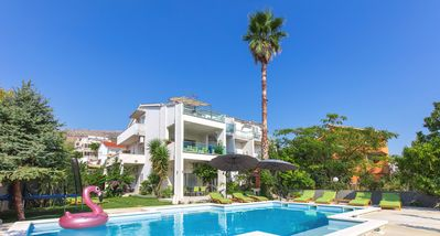 Photo for Charming apartment in seaside villa with pool, perfect for families and friends