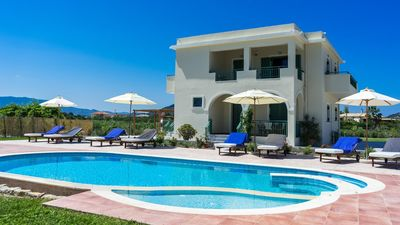 Photo for Villa for 8 pers. in Ionian Islands