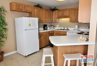 Phoenix 5 Orange Beach P5-1511 Kitchen.JPG