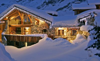Photo for 7 bedroom Chalet, sleeps 13 with FREE WiFi