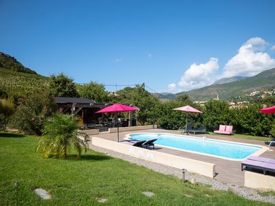 Photo for Cottage with pool in the heart of the vineyard