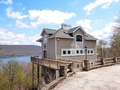 Photo for Tall Castle- Lake Access Home w/ Great Community Perks