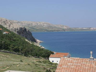 Photo for One bedroom apartment with terrace and sea view Metajna, Pag (A-525-b)