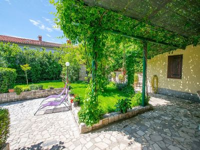 Photo for Apartment Ana in peaceful place of Ližnjan for relaxed vacation