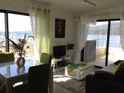 Photo for Apartment direct beach access, 4 pers, air conditioned, park tel 0686435128