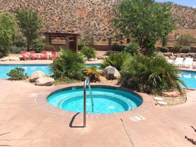 POOL OPEN-Spacious Suite Patio With BBQ Steps From Pools and Fitness Center