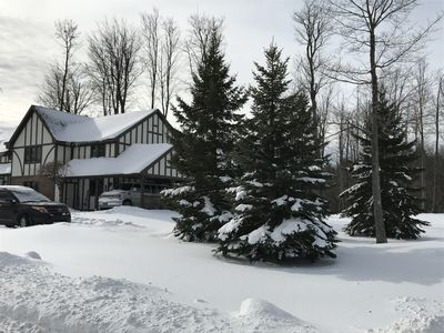 8279 Canterbury Dr - Winter View