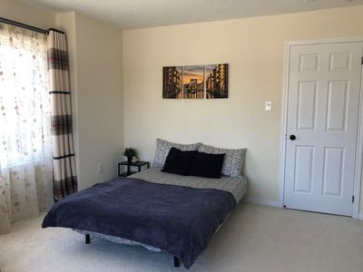 Photo for Private Bedroom In Niagara