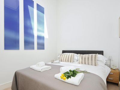 Photo for Righton one-bedroom serviced apartment in city centre (oxjwtc)