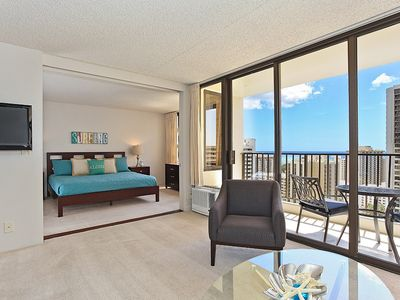 Partial Ocean View, one-bedroom with AC, WiFi, parking, short walk to beach!
