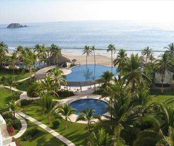 Photo for Amara Ixtapa, Luxury Oceanfront Condo, 6th Floor