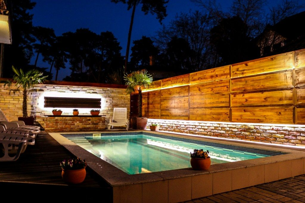 Luxus pool im garten  Anna Luxus Guesthouse: Luxus Guesthouse with Pool, Sauna, Jacuzzi ...
